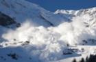 На Закарпатті на горі Плай зійшла лавина