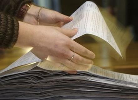 Один з кандидатів в мери Ужгорода повідомив про викрадення з двох дільниць 1000 бюлетенів
