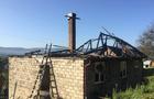 На Тячівщині згоріла покрівля житлового будинку, в якому перебувала дівчина