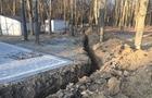В Ужгороді в парку, прокладаючи каналізацію до туалету, знищили кореневу систему з десятка дерев (ФОТО)