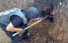 На місці будівництва будинку в Мукачеві виявили арсенал боєприпасів