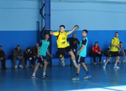 """Чоловічі і жіночі ГК """"Карпати"""" зіграли в Ужгороді у рамках 8-х турів Вищої ліги"""