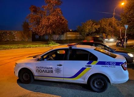 В Ужгороді патрульний автомобіль збив жінку