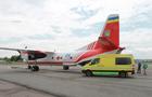 Хворого хлопчика з Ужгорода довелося терміново літаком доправити до Києва на лікування