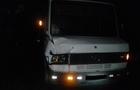 На Виноградівщині під колесами мікроавтобуса загинув чоловік