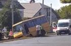 На Ужгородщині пасажирський автобус злетів у кювет
