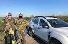 На Ужгородщині прикордонники затримали контрабандиста, який на човні переправляв до Угорщини 36 ящиків сигарет
