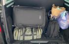 Чопські митники експропріювали у підприємця декілька пар взуття, кілька сумочок і годинник