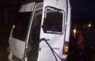 На Рахівщині автобус з пасажирами знесло з дороги і він ледь не перекинувся в річку. Травмованих - госпіталізували