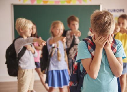 Як захистити дитину від шкільного булінгу — пояснює закарпатський психолог