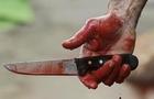 В центрі Ужгорода троє невідомих напали на хлопця з дівчиною. Хлопця вдарили ножем в серце