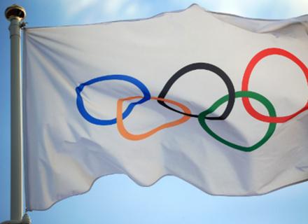 Що таке нейтральний прапор і чому під ним виступають на Олімпіадах
