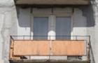 У Рахові з балкону п'ятиповерхівки випав і розбився молодий чоловік