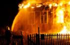 На Виноградівщині у будинку матері згорів чоловік
