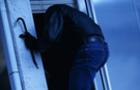 На Тячівщині суд звільнив від покарання чоловіка, який двічі обкрадав будинки. Прокуратура проти