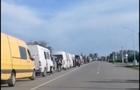 Понад 200 мікроавтобусів застрягли на Закарпатті на кордоні з Румунією