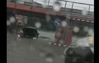 В Ужгороді під залізничним мостом втопився автомобіль