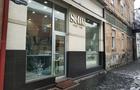 У Мукачеві невідомі розбили вітрини кафе