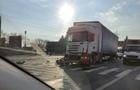 На околиці Мукачева зіштовхнулися дві вантажівки