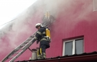 Біля Хуста 23 рятувальника гасили пожежу у нічному клубі