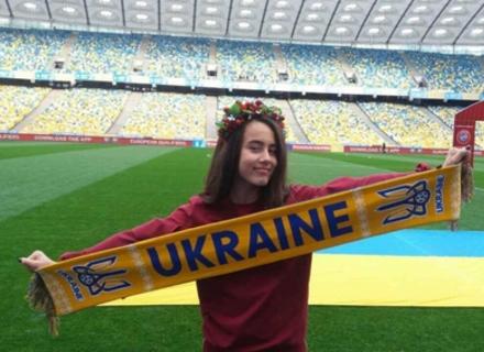 На вирішальному матчі збірної України співатиме мукачівка Іванна Решко