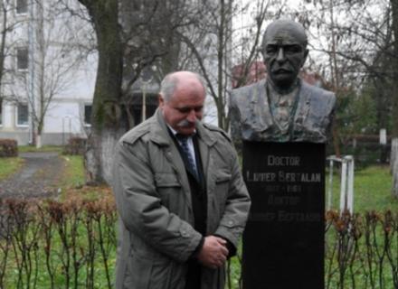 Фільм про легендарного берегівського лікаря Ліннера вже супроводжується українськими субтитрами