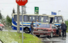 У Мукачеві автівка зіткнулася з рейсовим автобусом