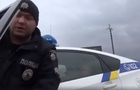Бійка поліцейських з активістом в Закарпатті. На чиєму боці правда (ВІДЕО)