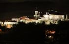 Як виглядає вночі підсвічений замок у Мукачеві (ФОТО, ВІДЕО)