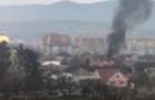 У найкрупнішому житловому масиві Мукачева горить будинок (ВІДЕО)