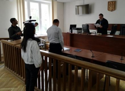 Суд виправдав депутатку Берегівської міськради, яка показала митникам угорський паспорт