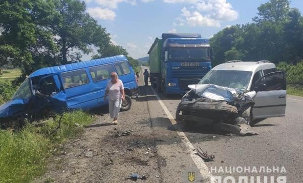 У результаті аварії на Львівщині в лікарні опинилися двоє закарпатців