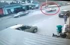 Камери відеоспостереження зафіксували момент смертельної аварії на Тячівщині (ВІДЕО)