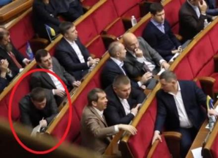 Закарпатська солідарність: Нардепи від Закарпатті у парламенті голосують один за одного (ВІДЕО)