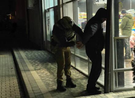 В Ужгороді правоохоронці затримали бандитів, які вимагали 500 тисяч доларів від підприємця