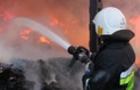 На Закарпатті вогонь нищить будинки, кафе і базу відпочинку