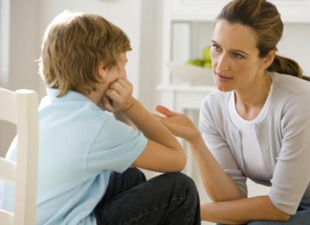 Розмовляйте з дитиною правильно, - радить закарпатський психолог