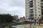У Мукачеві 14-річна дівчина випала з 7-го поверху