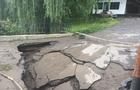 Стихія: На Рахівщині вода знесла опори мосту. Проїзд неможливий (ФОТО)
