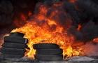 Рятувальники чотири рази виїжджали гасити шини на Мукачівщині
