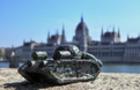 Біля парламенту Угорщини в Будапешті встановили міні-скульптуру, виконану закарпатцем Колодком