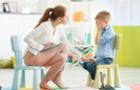 Коли дитина питає: Чому йому можна, а мені - ні? Поради від закарпатського психолога