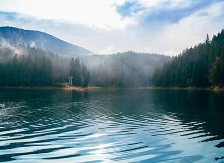Google назвав кращі туристичні місця України цього року: із Закарпаття Синевир та Драгобрат