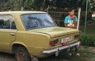 На Ужгородщині мешканці зупинили автомобіль, в якому було багато дітей і малолітній підліток-водій за кермом (ВІДЕО)