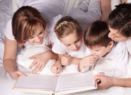 Закарпатський психолог: Читайте маленьким дітям книжки