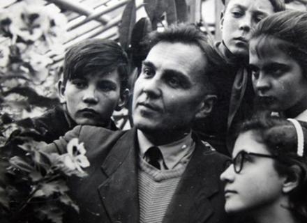 """Як жити гідно: 10 """"не можна"""" від Василя Сухомлинського"""