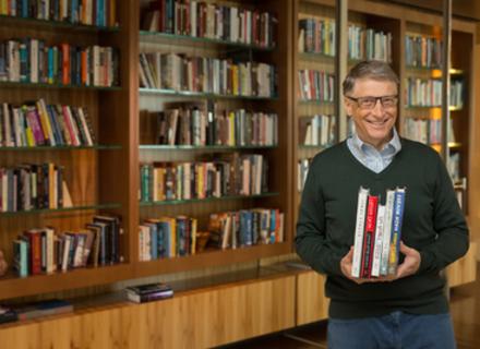 Білл Гейтс склав список книг, які варто прочитати цього літа