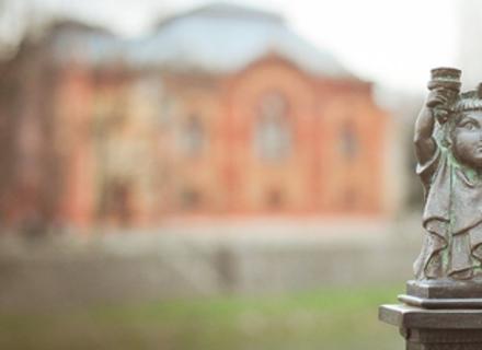 Візитка Ужгорода: Як створюються міні-скульптурки Михайлом Колодком (ВІДЕО)