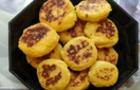Сирники з куркумою та кукурудзяним борошном