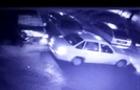 В Ужгороді таксист намагався пограбувати автомобіль після аварії. (ВІДЕО з камер спостереження)